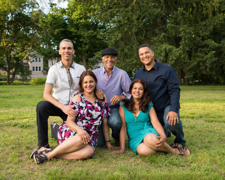 SPRINGFIELD, MASSACHUSETTS FAMILY SESSION | THE TEJEDA FAMILY