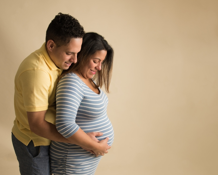 JOANNA & BRUNO | IN-STUDIO MATERNITY